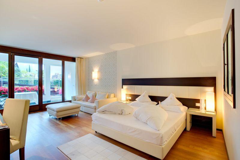 - Elegante Garten Suite