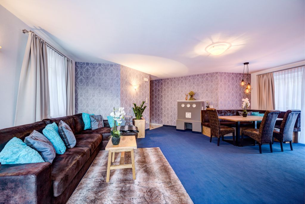 Moderne Einrichtung Mit Alpinem Chic; Luxuriös Zu Zweit Und Großzügig Für  Die Familie.