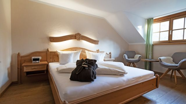 """Luxury double room """"Holunder"""" without a balcony"""