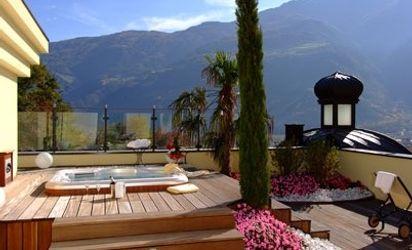 Idromassaggio privato sulla terrazza della suite romantica Malve